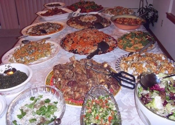 Afghan foods table spread food fruits soups salads for Afghanistan cuisine