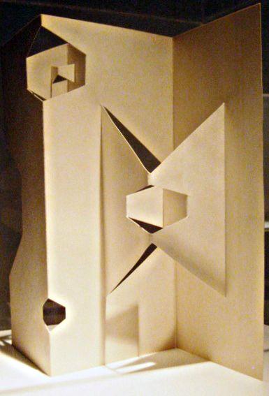 """Bruno Munari, """"Sculture da viaggio"""", cartoncino piegato e tagliato, 1959. Courtesy Galleria Six"""