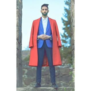 This red coat and green beard. | Community Post: 27 Pictures That Prove Desi Guys Know Their Style‏