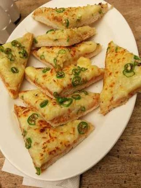 Chilly Cheese Toast - For cheese lovers !! <3