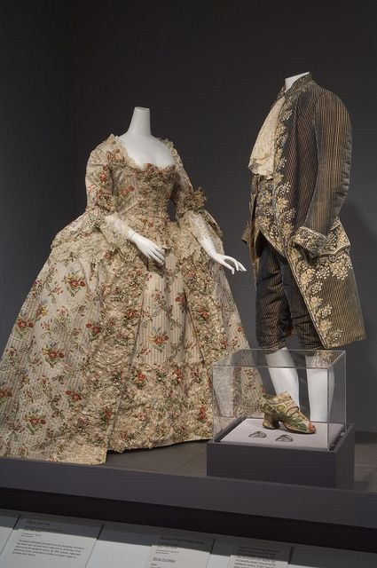 French 18th century dresses fashion