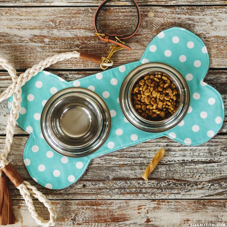 Follow our easy photo tutorial to make a DIY pet dish mat. Protect your floors in style by picking out your favorite patterned fabrics for this project