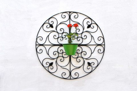 Wrought Iron Spanish Styled Round Wall Pot Holder with metal Pot – The mysunnybalcony e-store