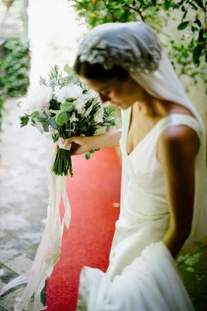 Italy Bride   photography by http://www.leliascarfiotti.com