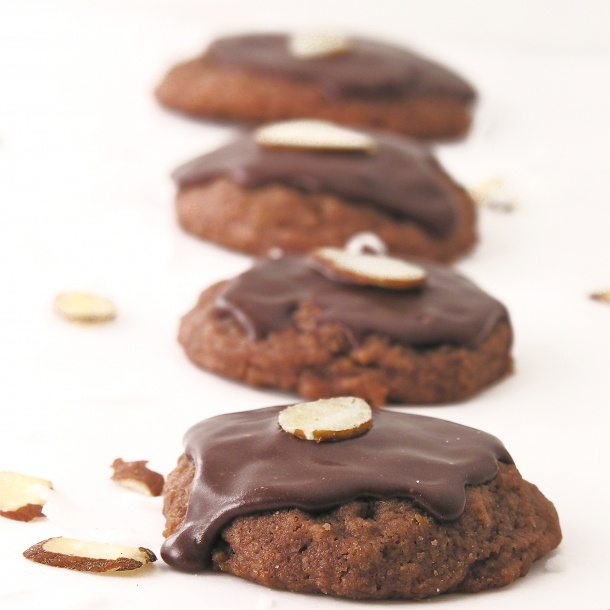 Chocolate Coconut Cookies: Zealand Style, Coconut Cookies, Zealand Chocolates, Chocolates Coconut, Crunchi Chocolates, Chocolates Cookies, Sweet Treats, Chocolate Cookies, New Zealand