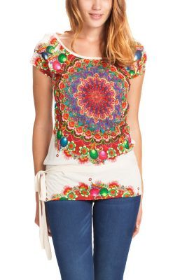 Desigual women's Kaley Rep short-sleeved T-shirt. Inspired by a kaleidoscope, this multicolored T-shirt will look amazing with jeans.