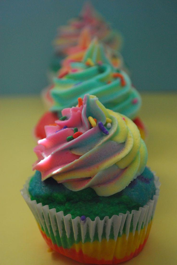 Amazing Rainbow Cupcake, (including video)