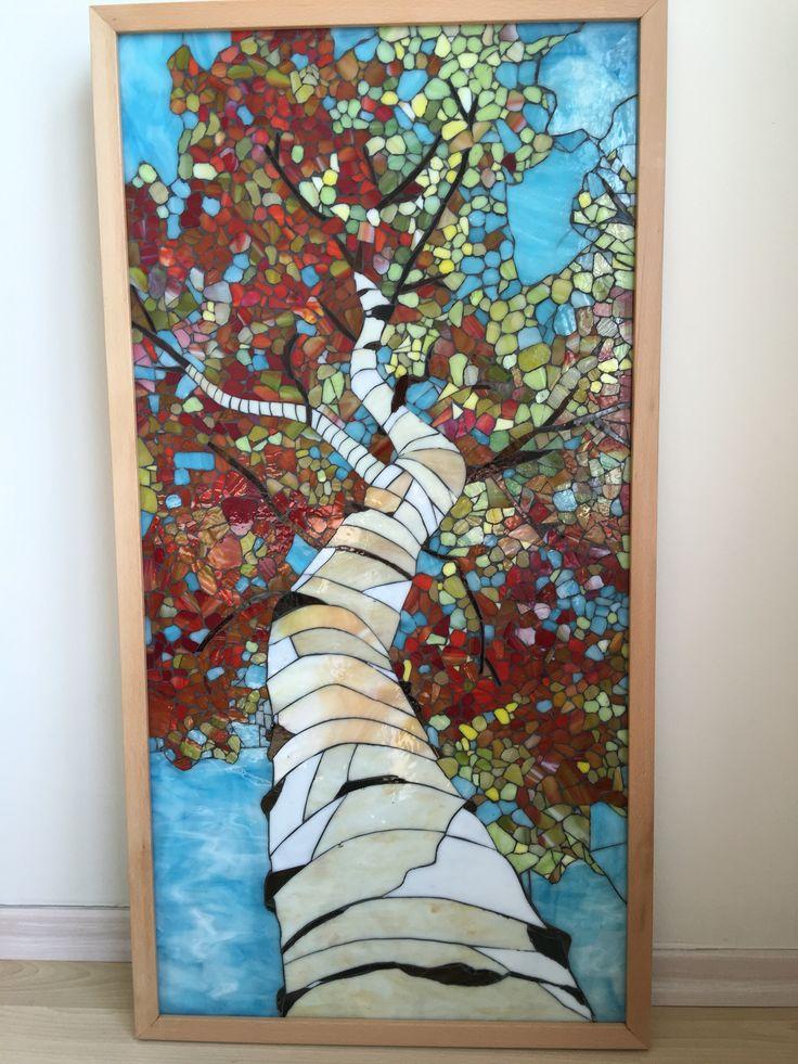 100x50cm buyutunda duvar panosu renkli cam ile yapılmıştır