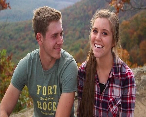 Duggar Family News: Who Is Courting Joy Duggar? - http://www.morningledger.com/duggar-family-news-who-is-courting-joy-duggar/13121860/