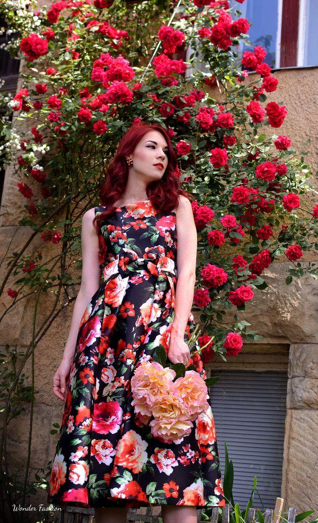 http://thewonderfashion.blogspot.ro/2016/06/the-secret-rose-garden.html