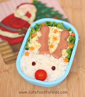Grateful for different ideas for good boys and girls lunches at the holidays!  Santa's Rudolph is in my lunch box!