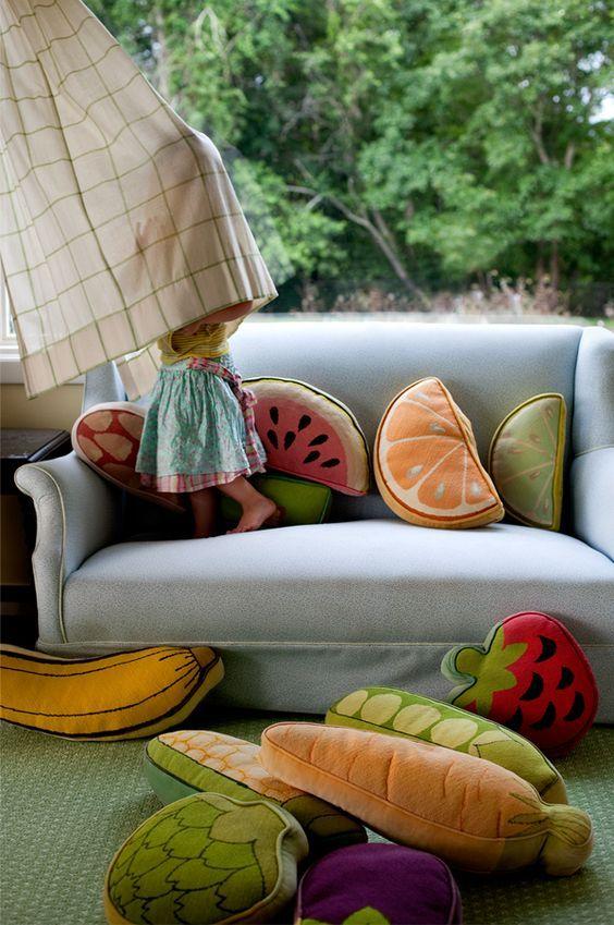 Perne decorative sub forma de fructe! O noua tendinta?  #tendinte2017 #fruits #perne