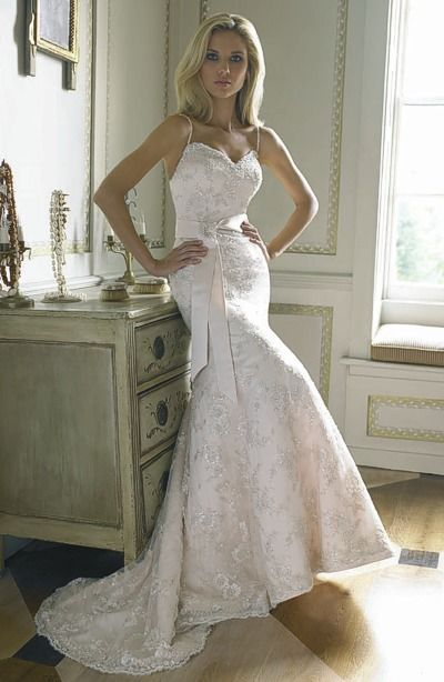 "It is already the tenth season of the popular program ""Say Yes To the vintage looking lace wedding dresses """