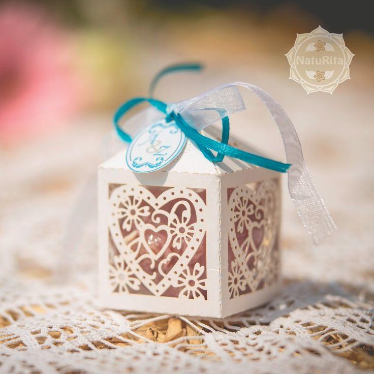 Esküvői köszönetajándék - Rózsás szív szappan fehér csipkés dobozban