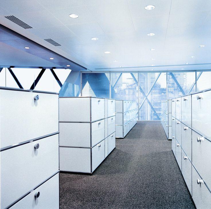 USM Büro I Arbeiten I Archivierungssystem USM Haller Regal (mit sechs Ausziehtüren)
