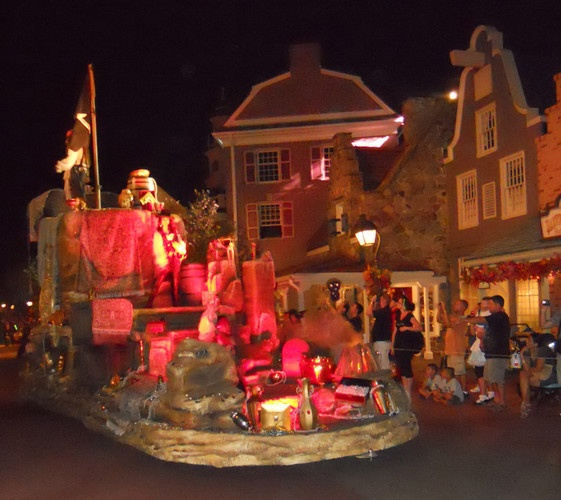 Mickey's Boo to You Halloween Parade photos from the Magic Kingdom park in Orlando, Walt Disney World, #examinercom, Halloween