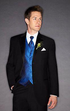 Sleek and stylish, the #groom is wearing a modern-cut Ralph Lauren Three-Button Super 100s Notch Lapel #tuxedo.