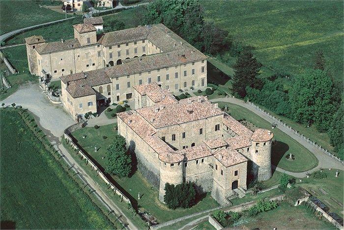 Rocca e Castello di Agazzano - I Castelli del Ducato di Parma e Piacenza