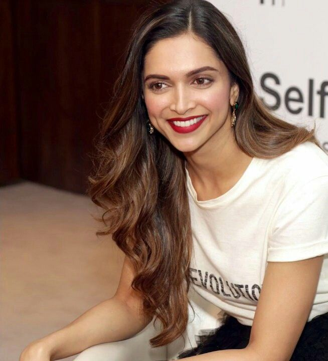 Best 25+ Deepika padukone hair ideas on Pinterest ...