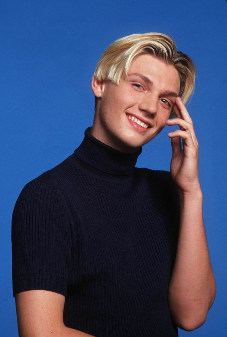Nick Carter Of The Backstreet Boys Rocks A Fierce Middle