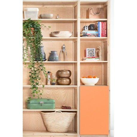 Buffetkast met schappen en deur detail