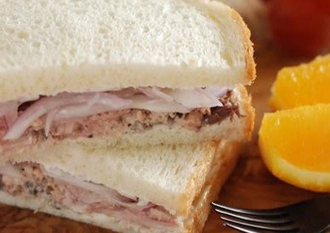 Canned Mackerel Sandwiches From the U.S. Recipe - Let's cook Canned Mackerel Sandwiches From the U.S. by yourself!