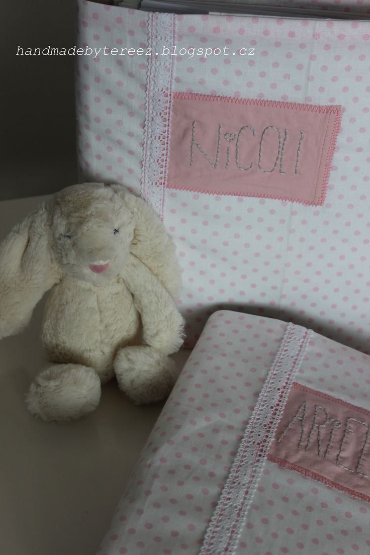 Folders for pictures of our daughters, pink, lace, polka dots, nostalgia, memories ... DIY