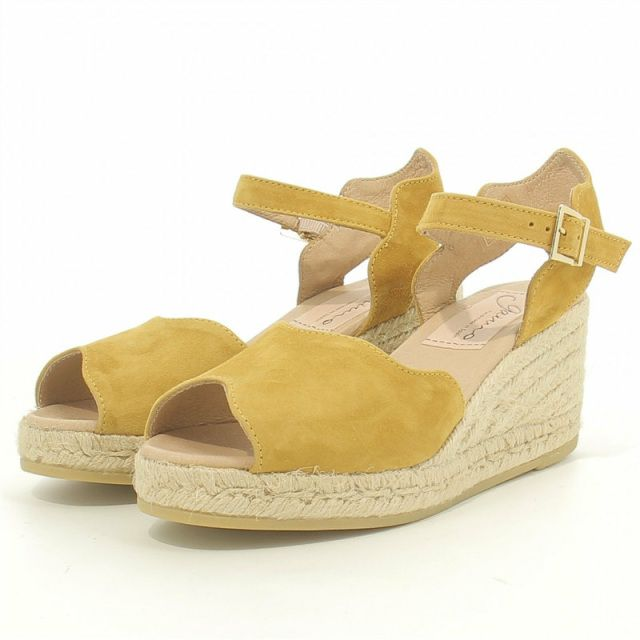00dee8cf186 GAIMO SS19 Roundy Wedge Espadrille Sandal