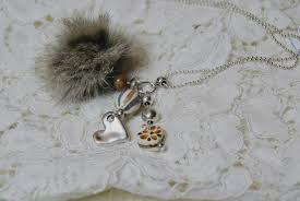 collier pompon fourrure - Recherche Google