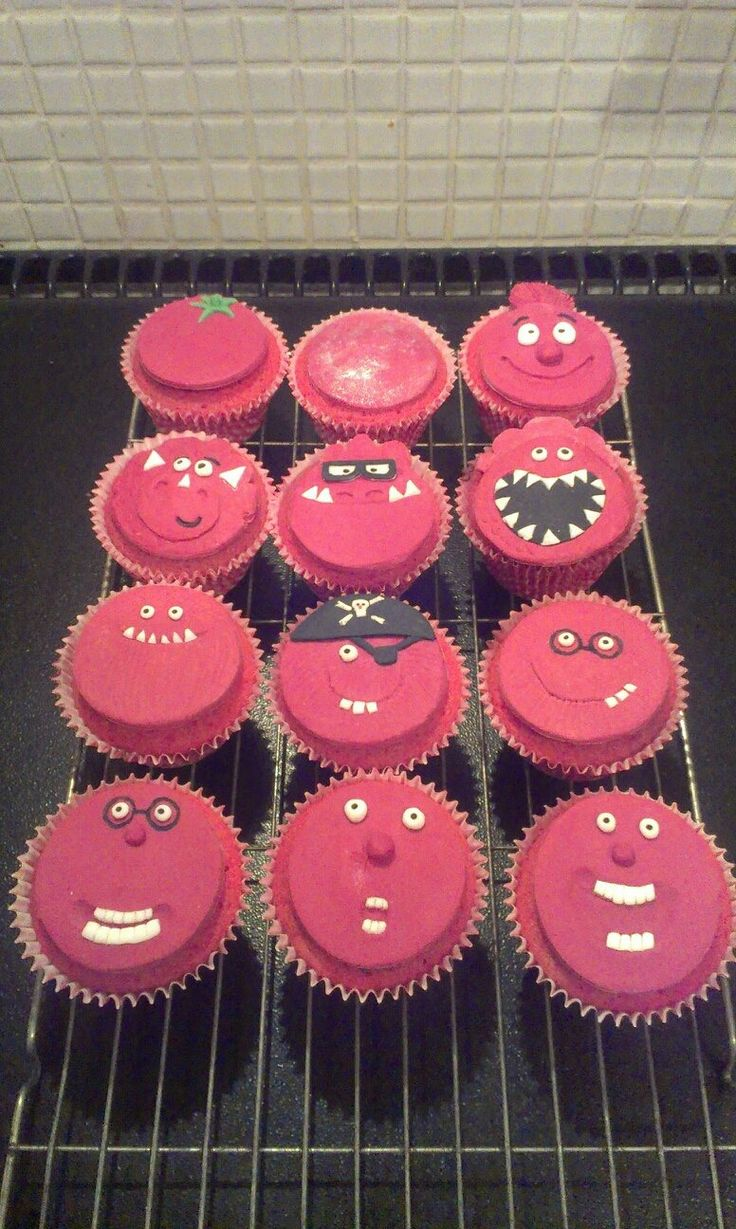 Red Nose Day cakes