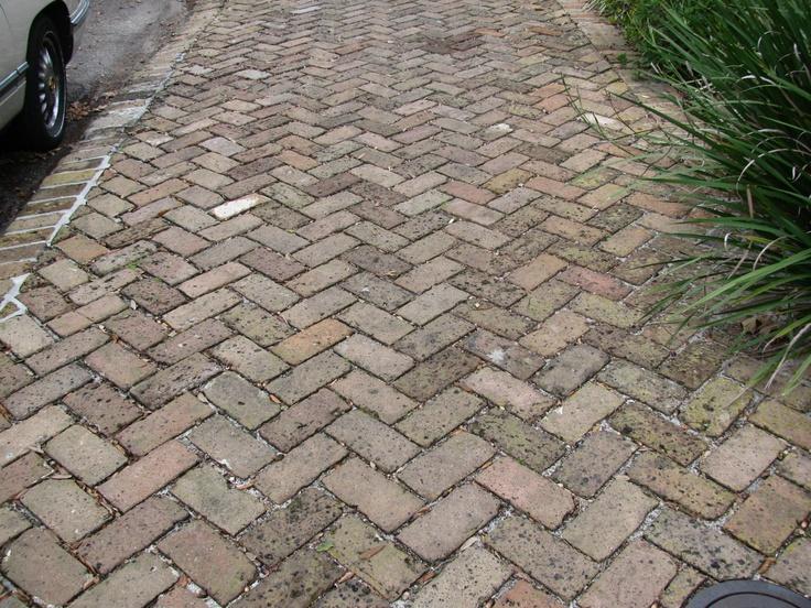Herringbone brick sidewalk in new orleans garden district for Landscaping rocks new orleans