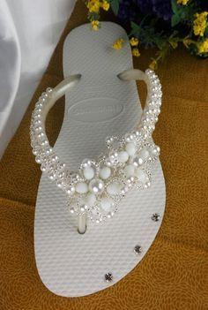 Resultado de imagen para como decorar sandalias con liston y piedras paso a paso