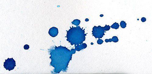 Trucos para quitar las manchas de tinta en una tela: Zumo de limón, leche caliente, Mezcla de alchol y vinagre, laca para pelo, papel abrasivo, etc.