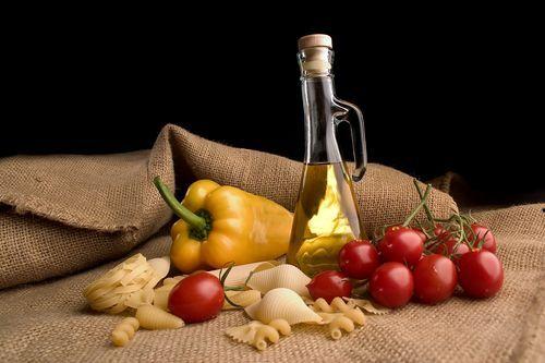 Uleiuri presate la rece Cardinal: ulei de floarea soarelui ulei de dovleac -ulei de germeni de grau ulei de susan ulei de catina ulei de nuca ulei de mac ulei din seminte de struguri ulei de soia