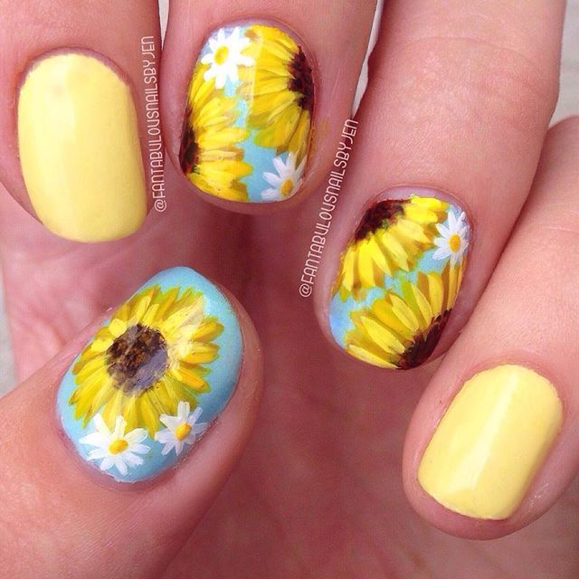 Sunflower Nails by @fantabulousnailsbyjen #nailart