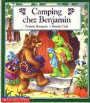 31997000838417 Camping chez Benjamin. Benjamin invite Ourson à dormir chez lui.  Ils sont tous les deux très excités.  Quand Ourson arrive Benjamin lui dit qu'ils vont camper dans le salon et vont faire un feu de camp dehors...