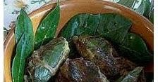 Normalmente a Napoli il macellaio vende questi bocconcini di fegato di maiale già preparati, avvolti in una retina di grasso di maiale, og...