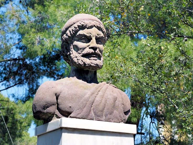 Odysseas bust_Ithaca, the island home of Odysseus, is one of the most popular islands in Greece.  Not only in the present, but also in antiquity and mythology.  Homer in his epics has left a legacy  to foreign and Greek  scholars, who have   debated and worked years with this project.