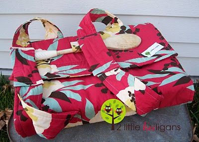 Casserole carrierCasseroles Dishes, Sewing Projects, Wedding Gift, Gift Ideas, Carriers Tutorials, Sewing Machine, Christmas Gift, Sewing Tutorials, Casseroles Carriers