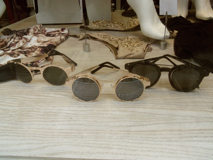 Love that glasses !!!
