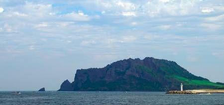 Diminati Ekspatriat, Sektor Properti di Jeju Island Bergairah | 28/01/2015 | Lebih dari 1000 orang kaya dari Tiongkok dan negara lainnya telah memberikan status pada Jeju sebagai tujuan investasi properti yang menjanjikan. Mereka beramai-ramai membeli rela estate di pulau indah ... http://news.propertidata.com/diminati-ekspatriat-sektor-properti-di-jeju-island-bergairah/ #properti
