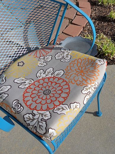 outdoor cushion tutorial! Repinning this to remind myself to do this to my patio cushions when the times right!!!!