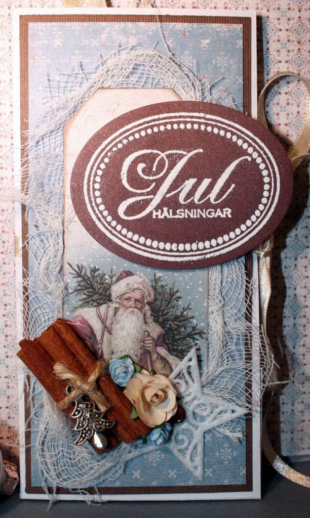 Julkort- dragspelsmodell - http://kristinasscrapbookingblogg.se/julkort-dragspelsmodell/ - Hej!  Julkort kan vara kvadratiska, rektangulära, runda, hexagona eller som dragspel. Idag har jag testat just en dragspelsvikning, välkomna på en titt! ...Framsidan: Vackra papper från Maja Design och Pion, lite ostduk, en utklippt tag och dekos.... Att dekorera med kanelstänger blir vack...