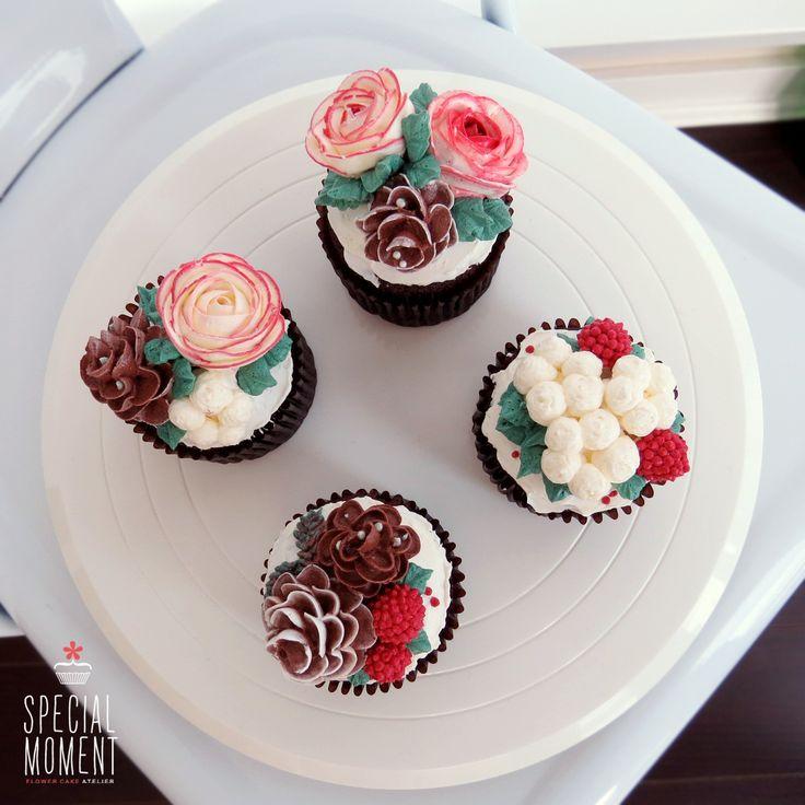 Christmas Cake Decorations Flowers: +Choco Chocolate Flower Buttercream Cupcake For Christmas