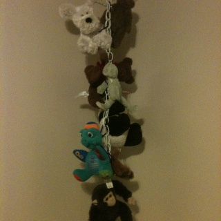 Diy Stuffed Animal Hanger Kids Rooms Are Often Small So Take Advantage Of The Vertical Space Items Ne Diy Stuffed Animals Stuffed Animal Storage Owl Bedrooms