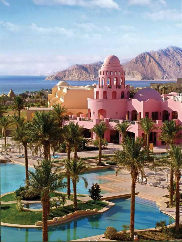 Egypt amazing places to visit travel for Amazing luxury hotels