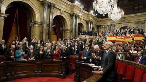 Catalaans parlement keurt onafhankelijkheidsverklaring goed - HLN.be