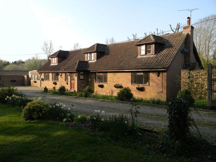 £730,000  5 Bedroom Detached House - Coolham Road, Horsham, West Sussex, RH13 0JW Estate Agents
