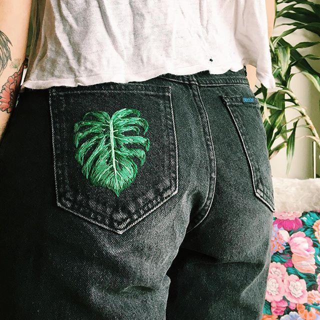 Leaf embroidered pocket denim jeans. Embroidered jeans.