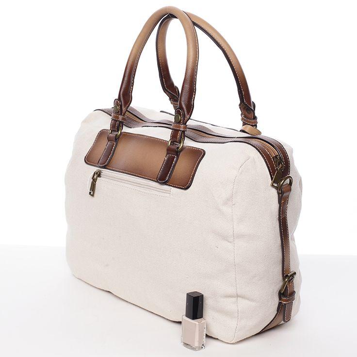 Prostorná a dobře řešená béžová taška přes rameno i do ruky. http://www.demix.cz/trendove-kabelky #kabelky #béžová #kabelka #dámy #styl #móda #pláž #ženy #dárky